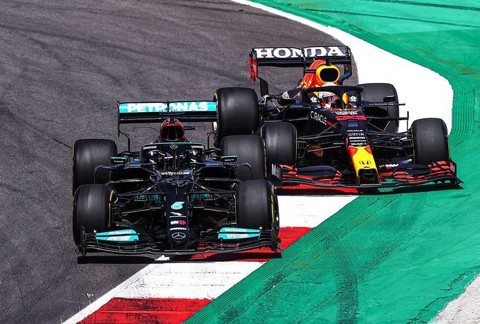 Lewis Hamilton en Max Verstappen vochten weer een mooie strijd uit in Portugal.