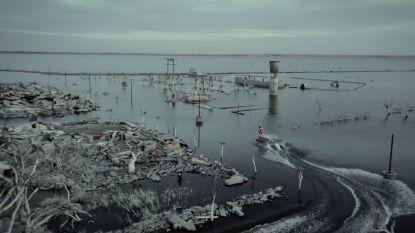 Magische beelden: wakeboarders suizen door gezonken spookstad