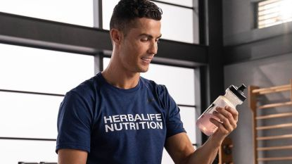 De Insta-koning: Cristiano Ronaldo oogst 884.000 euro per reclamepost en verplettert Messi én Kendall Jenner