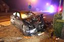 Ook de BMW van de dertiger uit Tielt raakte volledig vernield.