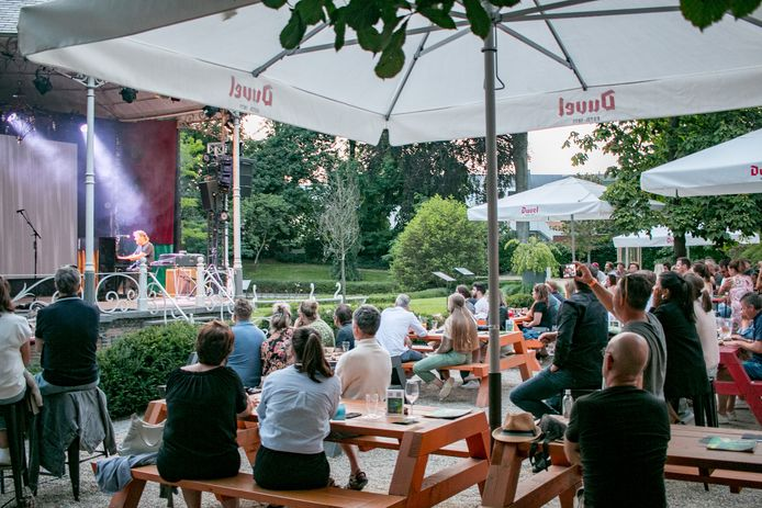 Concerten in de kiosk in het park van De Casino in Sint-Niklaas.
