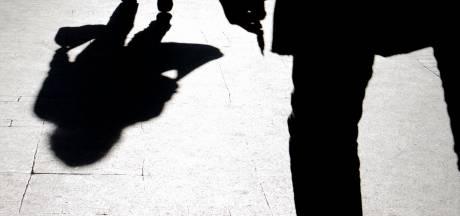 Tbs voor gewelddadige straatrover uit Enschede: 'Wie ben jij om mijn leven zo overhoop te halen?'
