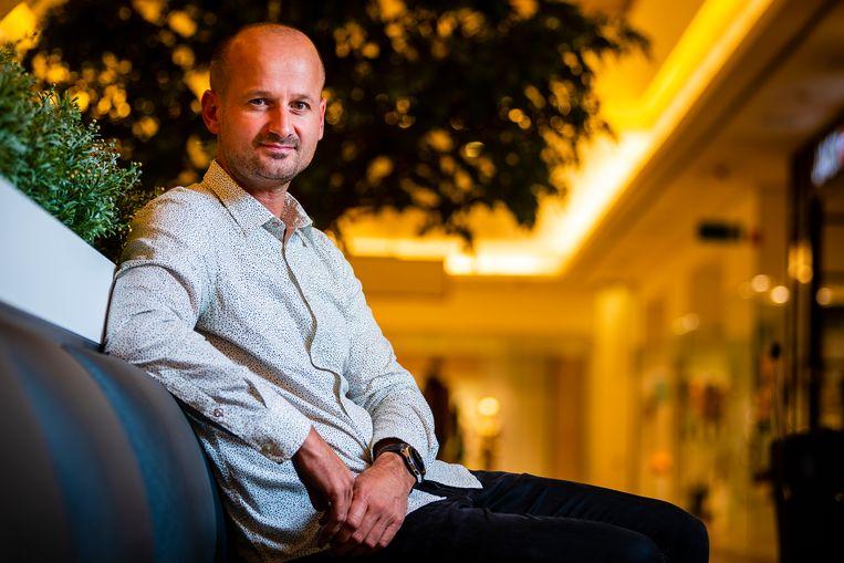 Commercieel directeur van Sunweb Tim Van den Bergh.