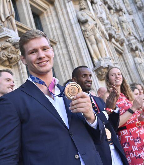 """Les athlètes olympiques honorés sur la Grand-Place de Bruxelles: """"La fête ne s'arrête pas"""""""