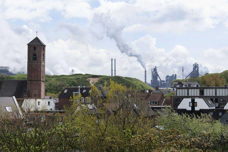 Staalproducent Tata Steel in Wijk aan Zee. Peter Blauwhoff stapt er noodgedwongen op als voorzitter van de raad van commissarissen. Hem zou kwalijk worden genomen dat er vorig jaar stakingen uitbraken bij het bedrijf. Beeld ANP