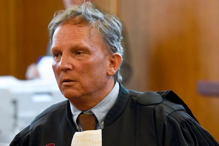 Johan Platteau is de advocaat van Van Langenhove. Beeld BELGA