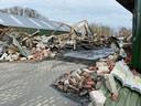 Brand in bedrijfsverzamelgebouw op het terrein van Braakman vloerverwarming. De loods is compleet verwoest.
