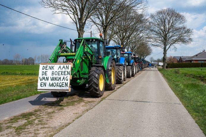 De boeren hielden onder meer halt in Wuustwezel.
