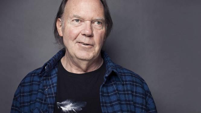 Neil Young haalt de pen weer boven