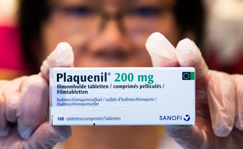 Chloroquine en hydroxychloroquine zijn  vaak gebruikte middelen, maar of deze écht verschil maken voor de patiënt, wordt betwijfeld.  Beeld BELGA