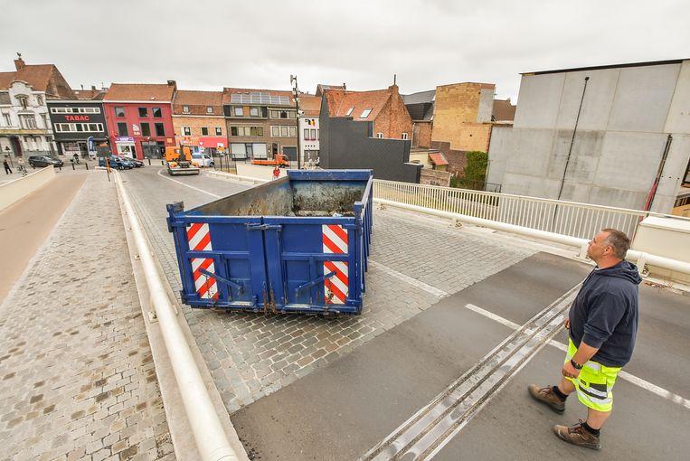 De Leiebrug werd ook vorig jaar afgesloten met een container.