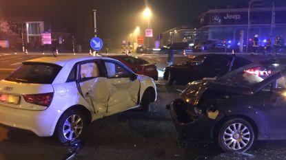 Vier wagens betrokken bij zware botsing op A12 in Aartselaar