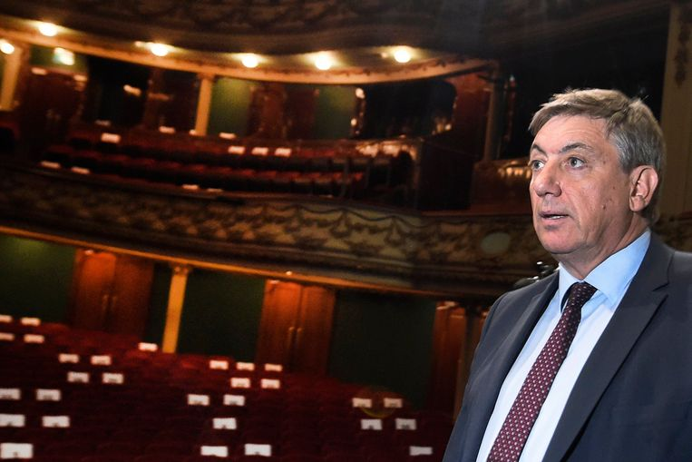 Vlaams minister-president en minister van Cultuur tijdens een bezoek aan Opera Antwerpen. Archiefbeeld. Beeld Photo News