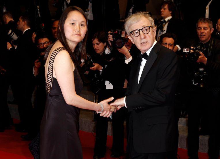 Woody Allen en Soon-Yi Previn op het filmfestival van Cannes in 2010. Beeld AP