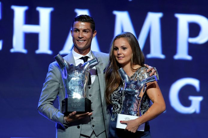 Lieke Martens met Cristiano Ronaldo op het UEFA-gala in Monaco op 24 augustus.