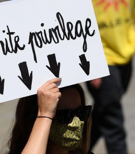 'Moeilijk om met witte mensen over racisme te praten zonder iemand te kwetsen'
