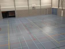 Nieuwe oude laag geeft vloer van sporthal Nistelrode nieuw leven
