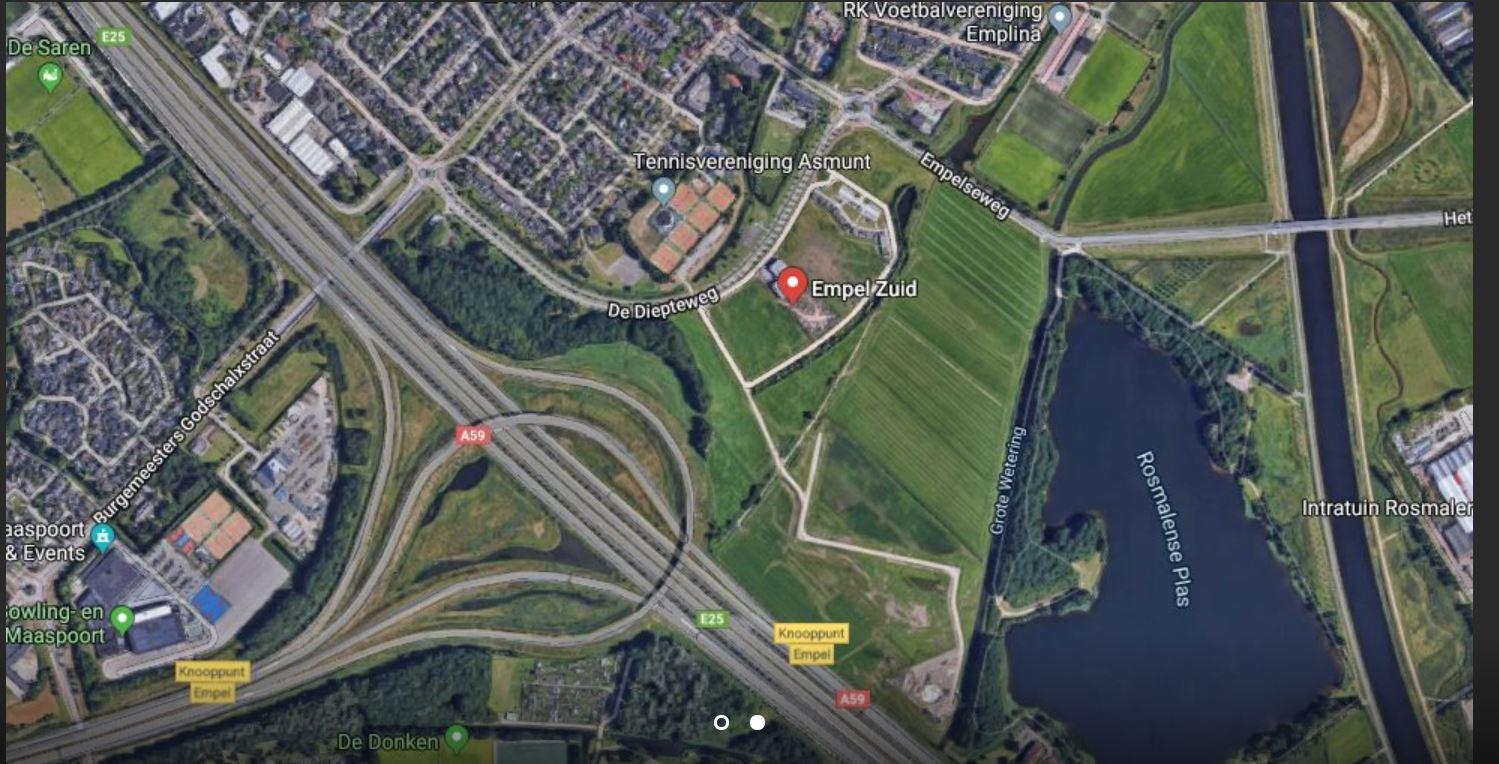 Satellietopname van het terrein met rechts de Rosmalense Plas en onder knooppunt Empel tussen A2 en A59