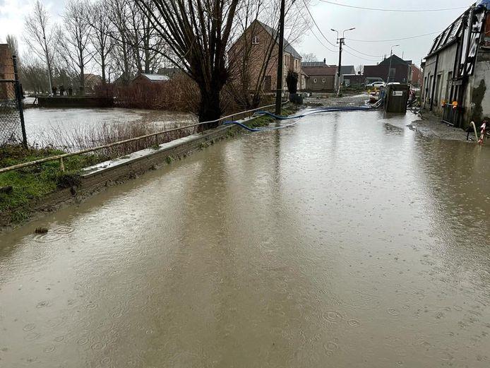 Wateroverlast in Bruinbeke.