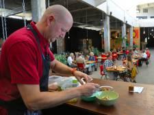 Corona houdt chef Michel Louws niet weg: zomerrestaurant in Lasloods Vlissingen