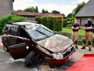"""Auto van Bernard in de prak gereden: """"Ik had net in de kappersstoel plaatsgenomen en plots was er die klap"""""""
