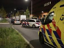 Twee auto's botsen tegen elkaar op Binckhorstlaan in Den Haag
