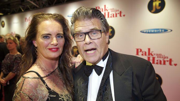Emile Ratelband met vriendin Gitta de Wit.