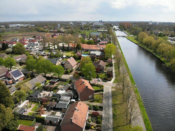Is ook in Aadorp het kanaal lek? Dat moet blijken. Een woning heeft echter schade.