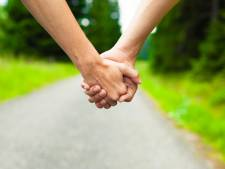 Trouver l'amour est encore possible grâce aux balades entre célibataires