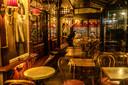 In Frankrijk werden alle cafés en restaurants al gesloten.