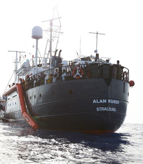 Door Italië geweigerd reddingsschip Alan Kurdi op weg naar Malta
