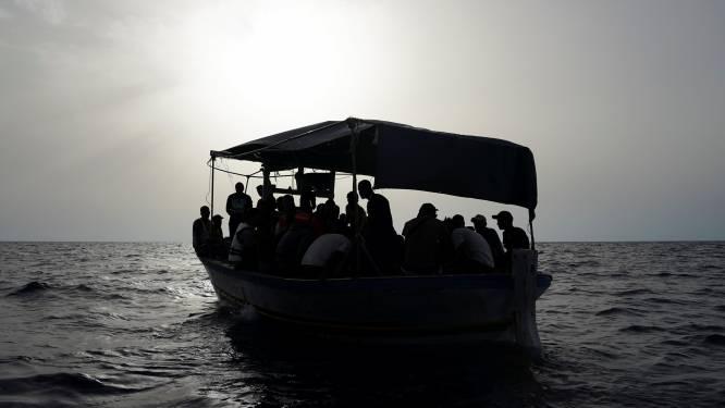 500 migrants sont arrivés à Lampedusa à bord d'un vieux bateau de pêche