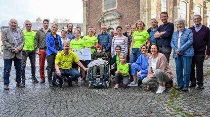 Oskar (7) vecht tegen leukemie: vrienden en familie starten Runforozzie en lopen marathon in Valencia