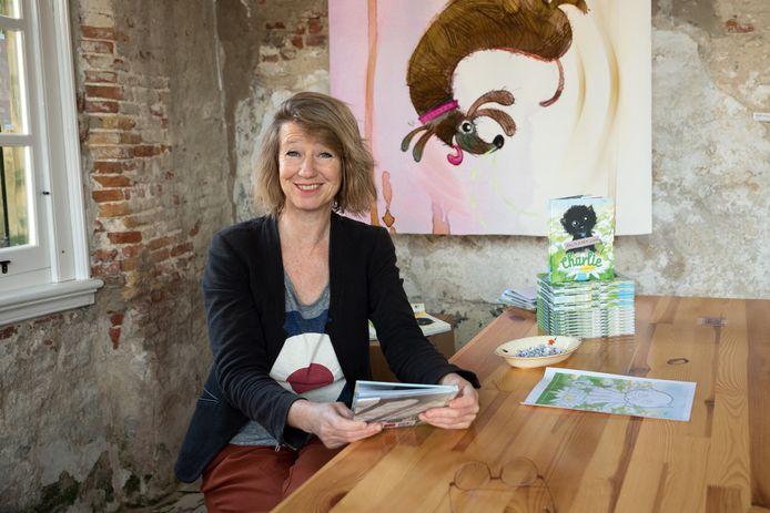 Monique van den Hout, illustrator en schrijfster van het prentenboek Charlie.