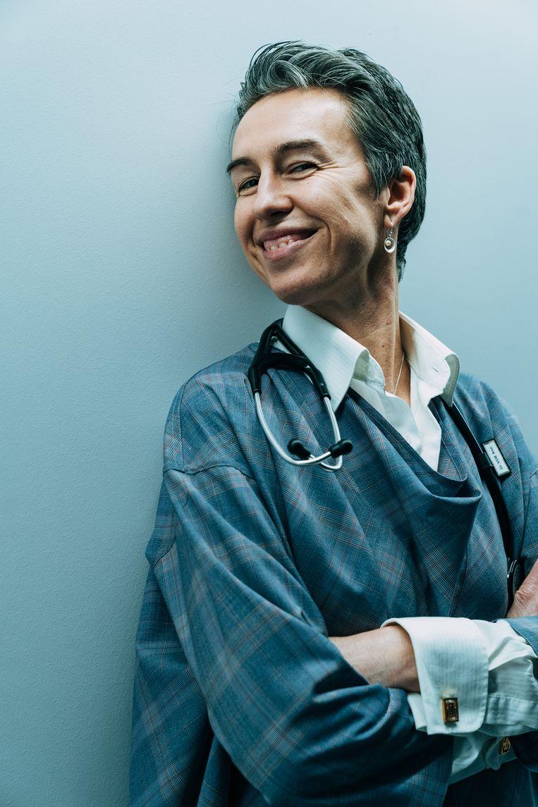 """Ann Vandenbroucke: """"Voor mij is het belangrijk om de patiënten graag te zien."""" Beeld Illias Teirlinck"""