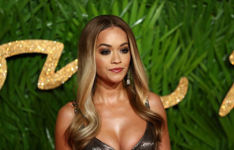 Rita Ora zondagavond op British Fashion Awards in de Royal Albert Hall in London.