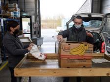 Kringloopwinkels in Twente vallen stil, maar de textielhandel draait door
