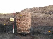 Archeologen vinden middeleeuwse waterput in het Reeve bij Kampen
