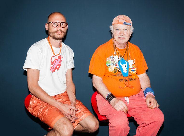 Sieradenontwerper Benedikt Fischer (l) en outsiderkunstenaar Rudy de Gruyl.  Beeld Nina Schollaardt