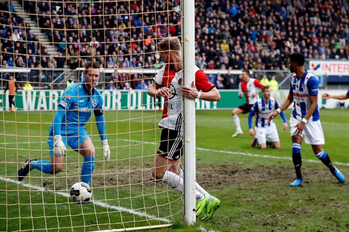 Beroep tegen straf Vilhena voor Feyenoord goud waard in ...