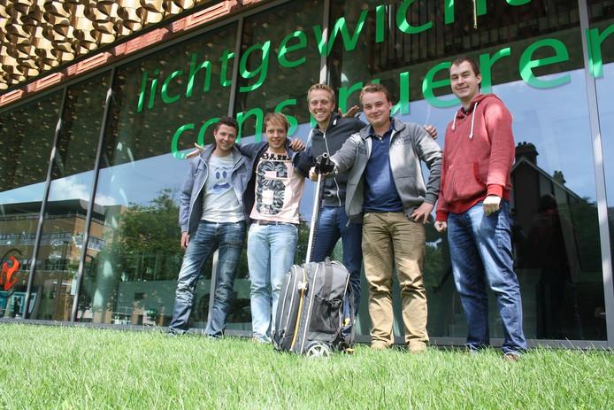 Het ontwerpteam bestaat uit Werktuigbouwkunde- en Mechatronicastudenten
