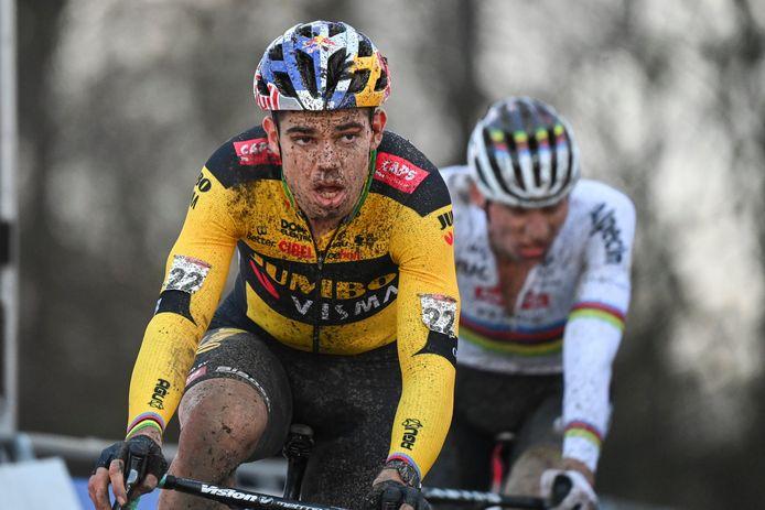 Van Aert versus Van der Poel in de cross van Namen eerder deze maand.