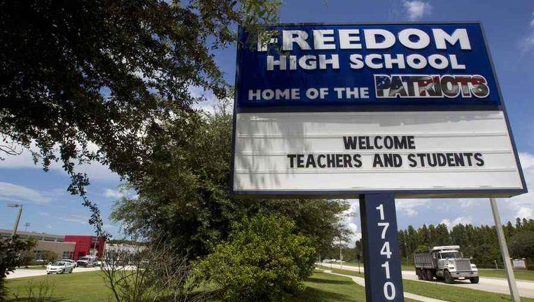 Bord bij Freedom High School in noord-Tampa, Florida. Beeld reuters