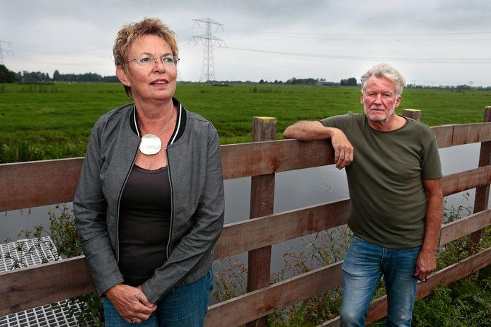 Marja Knotters en Harry van der Voort van de actiegroep uit Ruige Weide.