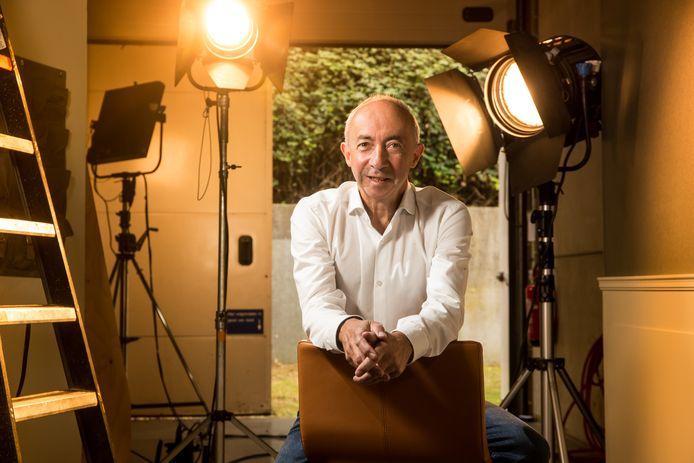 Regisseur Stijn Coninx zal samen met negen andere 'ambassadeurs' vertellen waarom hij het coronavaccin zo belangrijk vindt, om anderen te sensibiliseren (Archiefbeeld).