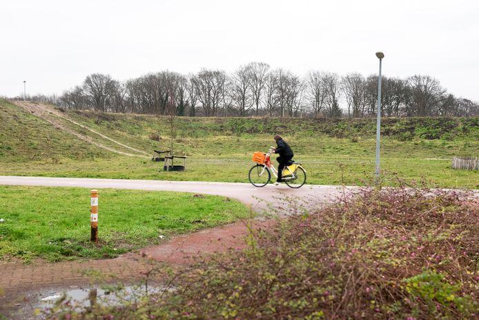 De drie tiny houses op het terrein aan het Rappad komen in de hoek van de geluidswallen langs de Westermeenweg en de Drielandendreef.