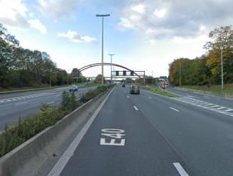 Sterk vertraagd verkeer richting Brussel na aanrijding op E40 in Wetteren
