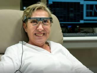 """Spaanse wetenschappers testen hersenimplantaat bij blinde vrouw: """"Ik kon opnieuw vormen en letters zien"""""""