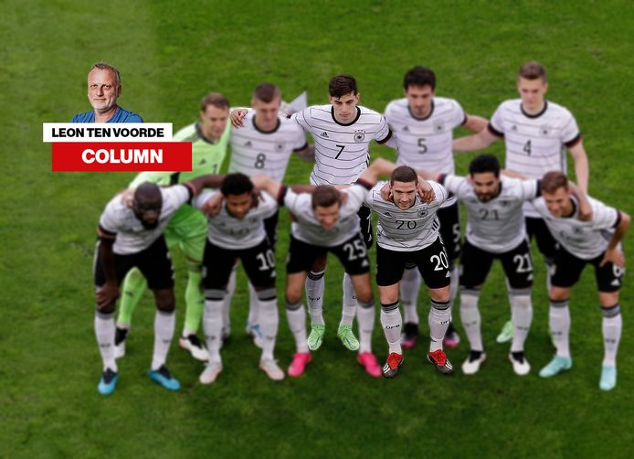 De elf van Duitsland met Robin Gosens (20) en Kai Havertz (7).