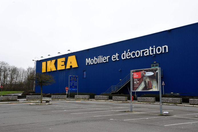Chez IKEA, il faut prendre rendez-vous à l'avance via une plateforme en ligne pour faire ses achats pendant 45 minutes maximum. Toutefois, l'enseigne affiche complet pour les prochains jours.